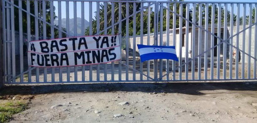 ntrada a la zona donde se construye la fábrica peletizadora Ecotek de Inversiones Los Pinares en Tocoa, Colón . Fotografía cortesía Diario Colón.