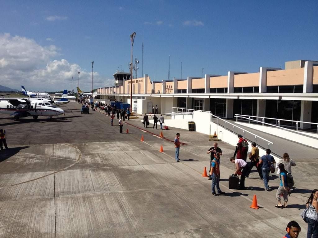 A inmediaciones del aeropuerto de La Ceibase construirá la aduana El Golosón